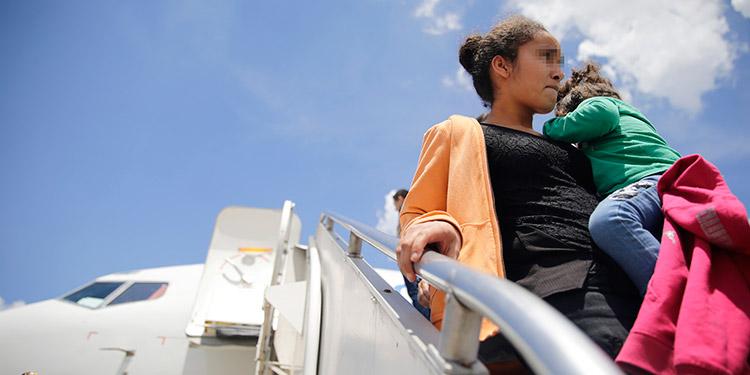Hacia Guatemala fueron enviados 53 hondureños que tramitaron su asilo.