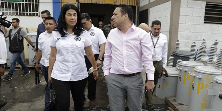La Junta Interventora, presidida por Miriam Guzmán, supervisa los planteles de la estatal eléctrica, empezando por Tegucigalpa.