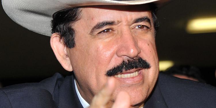 Manuel Zelaya: Libre acepta renuncia del comisionado del RNP, Óscar Rivera