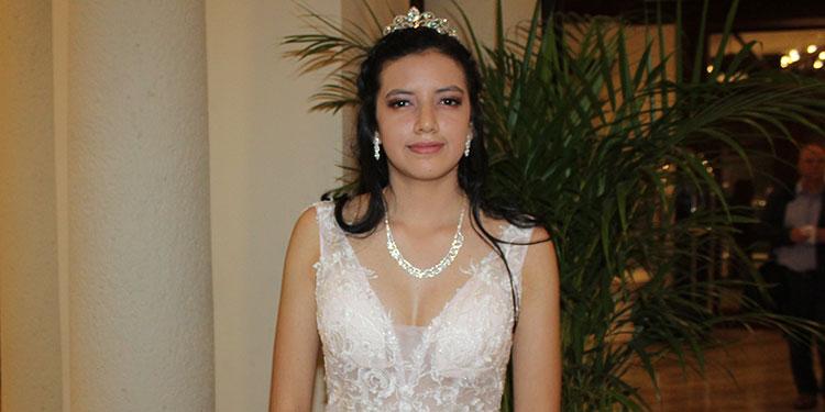Maira Villalobos festejó sus 15 años en el Hotel Clarión de Tegucigalpa.