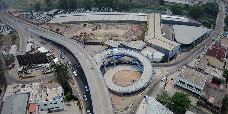 La mayor parte de la inversión de la comuna capitalina durante los últimos años ha sido en la búsqueda de mejorar la infraestructura vial.