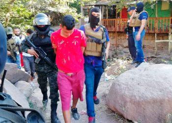 En coordinación con la DPI, la FNAMP, desarrollaron cuatro operaciones ayer para dar con el paradero de los sicarios de dos activistas del Partido Nacional.