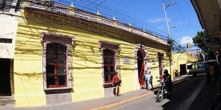 La Casa Morazán se constituyó bajo dos decretos uno de 1954 y otro del 2010.