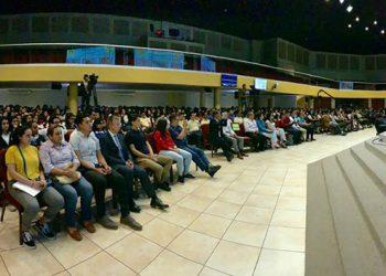 Más de 1,000 jóvenes hondureños interesados en optar a una beca asistieron a la I Expobecas Taiwán 2019.