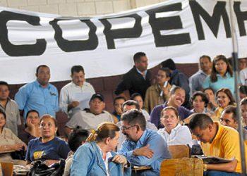 Los afiliados del Copemh piden que haya una salida al conflicto interno para realizar sus trámites normales.