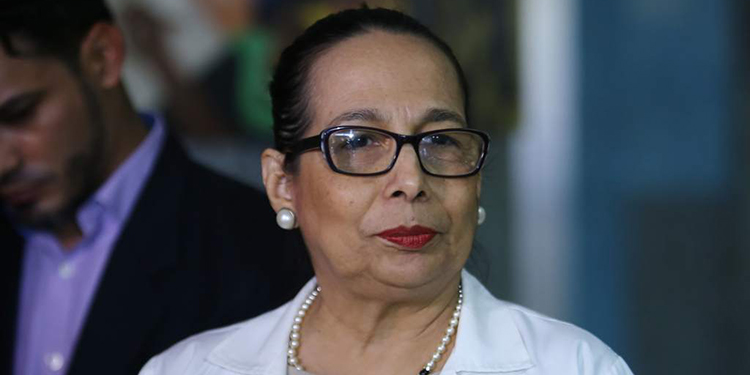Elsa Palou, infectóloga y exministra de Salud en Honduras.