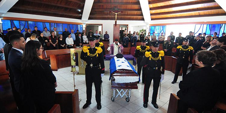 En la capilla de la Fuerza Aérea se realizó un oficio religioso en honor a Elvir Sierra.