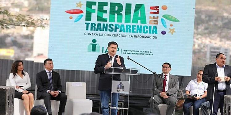Durante la Feria contra la Corrupción organizada por el IAIP, el Presidente Juan Orlando Hernández destacó una serie de iniciativas para fortalecer la transparencia.