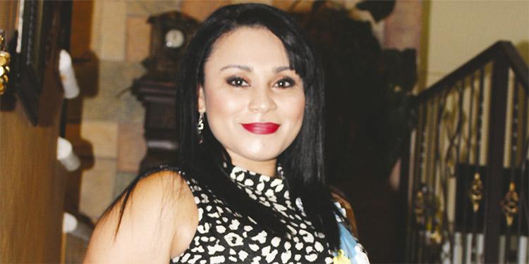 Karen Julissa espera el nacimiento de su segundo hijo el próximo mes.