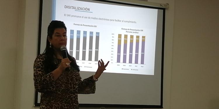 El Régimen de Facturación fue uno de los proyectos que más sustento ha dado a la administración tributaria expuso la ministra del SAR, Miriam Guzmán junto a su equipo de colaboradores.