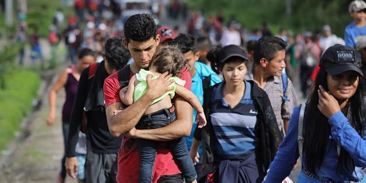 Biden critica la separación de familias inmigrantes y promete la ciudadanía
