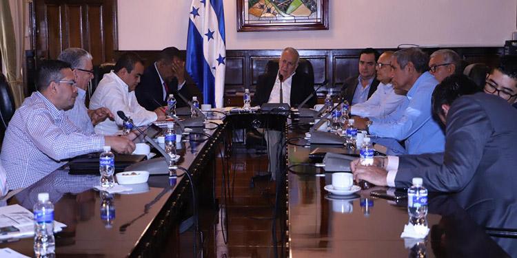 El proyecto de reformas fue presentado por el diputado, Mario Segura, quien detalló que con este decreto se ampliarán las personas que integrarán el Conacafé.