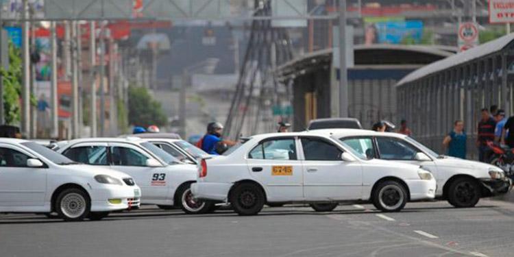 Taxistas a paro nacional mañana por inseguridad