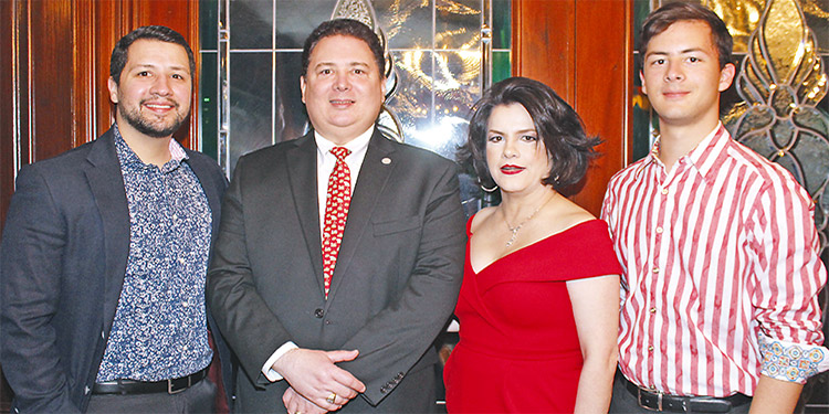 Jorge Valle, Guillermo Valle, Marguina Valle, Andrés Valle.