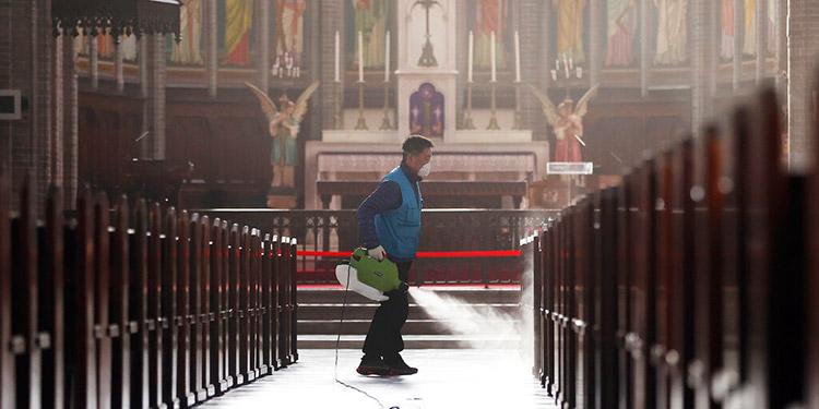 Autorizan las misas en Italia a partir del 18 de mayo
