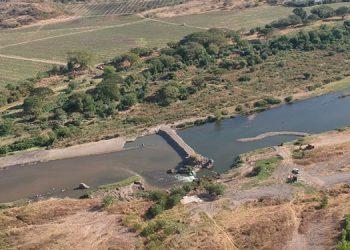 En la zona sur avanza la construcción de diques.