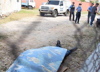 Alexis Pérez Almendárez de forma accidental rozó un cable de alta tensión siendo lanzado por los aires y muriendo al instante.