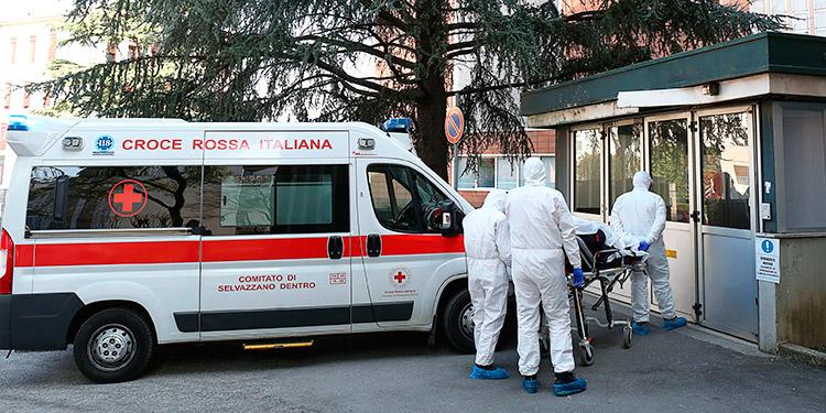 Italia reportó 812 nuevas muertes por coronavirus, pero bajaron los contagiados