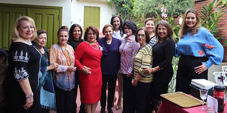 La nueva directiva del Club de Jardinería de Tegucigalpa  toma de posesión el 3 de febrero