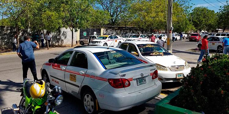 Los taxistas del sur no descartan paro de las unidades si se aprobara el sistema de taxi VIP.