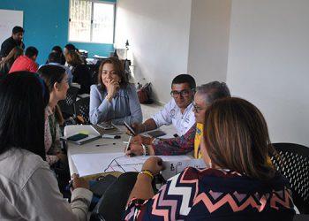 La presidenta de la Canaturh en Siguatepeque, Salma Mayorquín de Gómez junto a otras personas involucradas en el turismo trabajaron y presentaron sus propuestas.