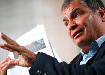 Movimiento político de Correa cree que la Interpol se negará a arrestarlo
