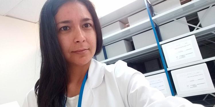 Ana Reyes, se desempeña como técnico laboratorista en Madrid, España.