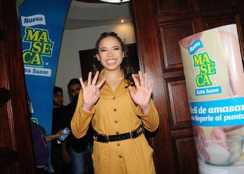 Angie Flores, lució muy feliz de poder presentar su historia a los capitalinos.