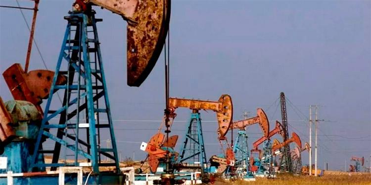 El petróleo cae a $31.50 tras suspensión de viajes