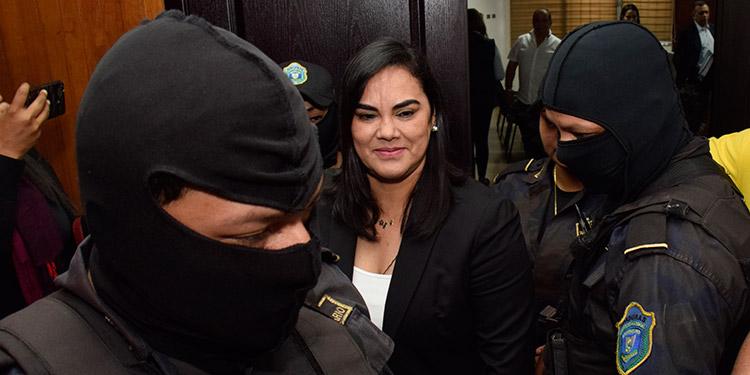 La exprimera dama, Rosa Elena Bonilla se estaría defendiendo en libertad, ya que la prisión preventiva venció en febrero.