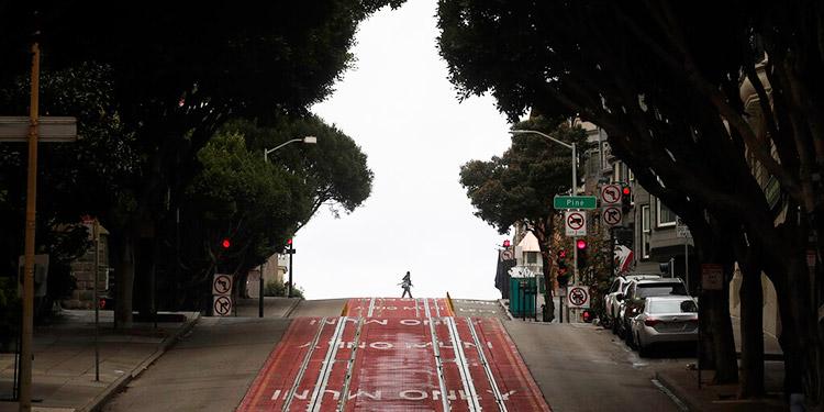 Distanciamiento social temprano en California 'hizo la diferencia' con COVID-19