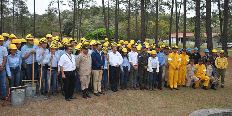 La comunidad universitaria de la Unacifor y otras instituciones listas para la prevención de los incendios forestales.
