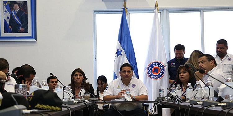 Los titulares de las secretarías de Estado ofrecieron un rueda de prensan en Copeco, para infromar sobre el plan estatal contra el coronavirus.