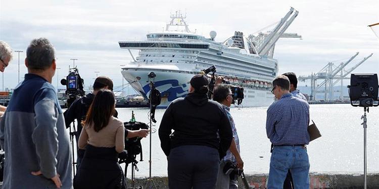 El coronavirus pone en jaque a sector de cruceros
