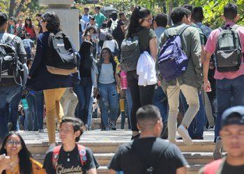 En las universidades es donde hay altas concentraciones de población estudiantil, pero hasta ayer se mantenían las clases.