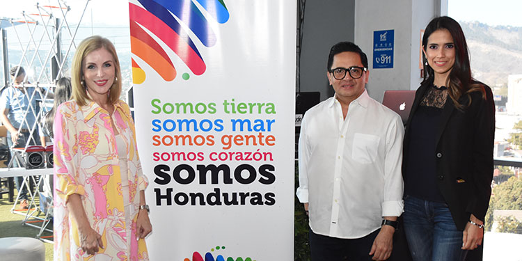 Patricia Lardizábal, Miguel Chong, Damaris Leffite.