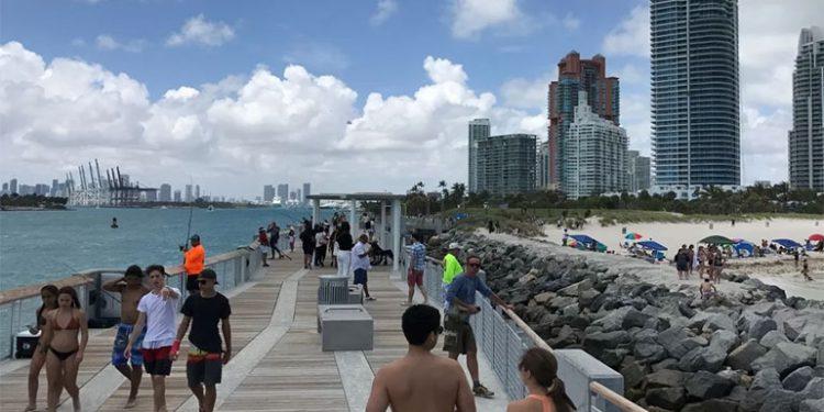 """El gobernador de Florida asegura que aplicar la cuarentena es """"inapropiado"""""""