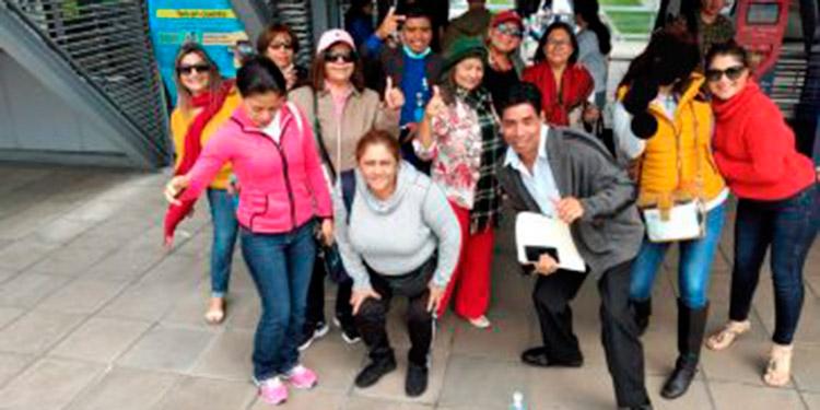 """Este grupo de """"catrachos"""" viajó a Colombia para participar en un evento de trabajo, pero ahora se encuentran varados en el país sudamericano."""
