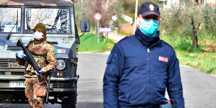 Los muertos en Italia superan los 8,000 y suben de nuevo los contagios