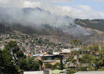Incendios forestales agudizan emergencia por COVID-19 en Honduras, alerta neumólogo