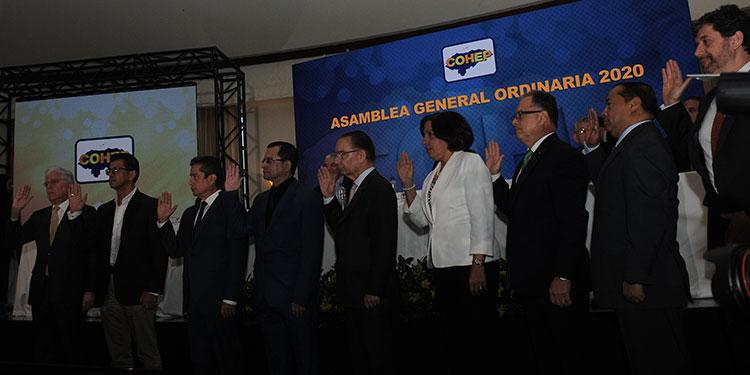 Entre optimismo asumieron ayer los miembros de la nueva Junta Directiva del Cohep 2020-2022.