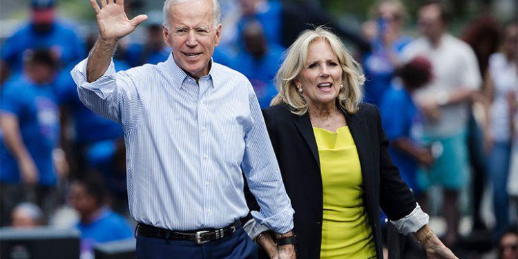 Joe Biden y su esposa Jill.