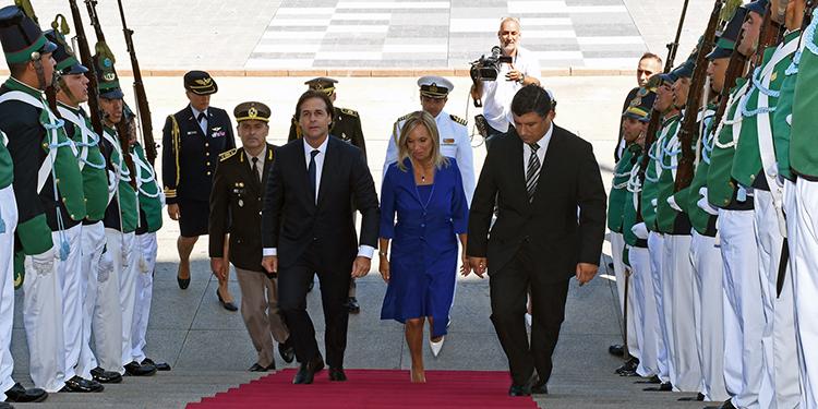 Tras 15 años de izquierda, Lacalle Pou asume como presidente de Uruguay