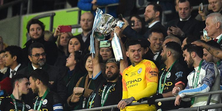 Manchester City tricampeón de Copa