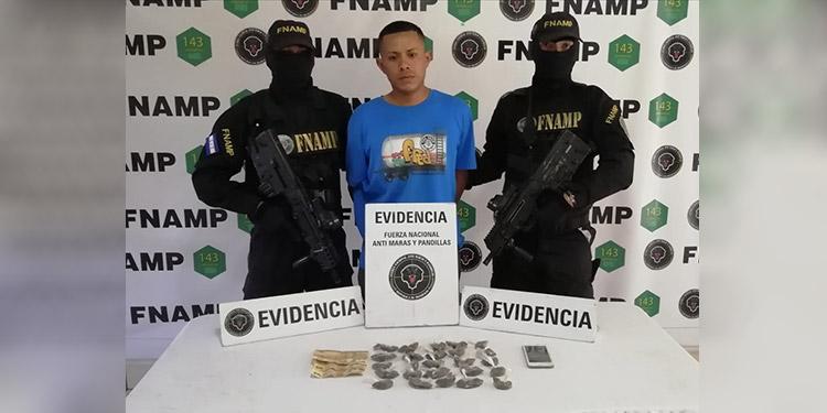 """Edwin Josué Ochoa Flores (31), alias """"Lobo"""" y """"Negro"""", supuestamente participó en el ataque armado a los efectivos militares, lo cual deberá ser investigado."""