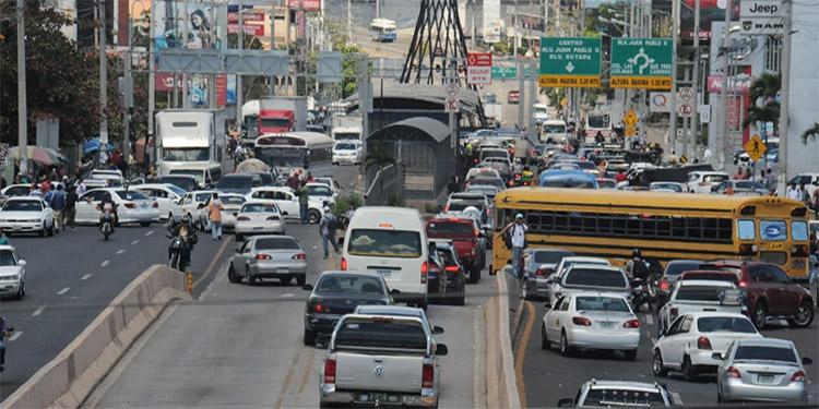 CN reitera que taxis VIP y Uber no se legalizarán