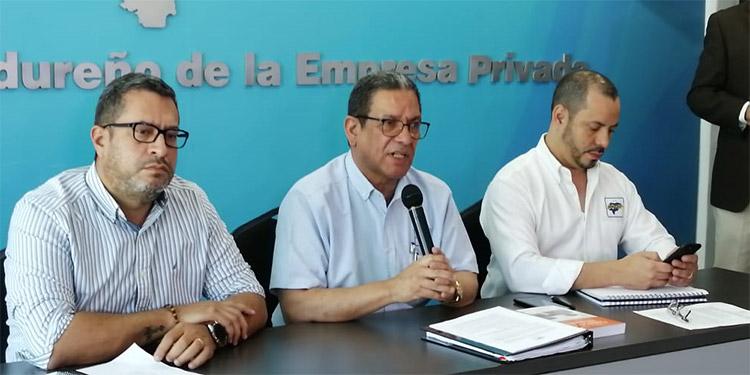 El plan fue presentado a medios por el gerente de Empresas Sostenibles del Cohep, Gabriel Molina; el director ejecutivo, Armando Urtecho; y el gerente de Asesoría Legal, Gustavo Solórzano.