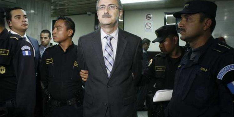 Guatemala: condenan a expresidente del Congreso por corrupción