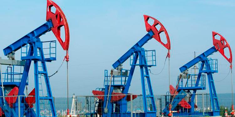 Petróleo de Texas rebota y sube 10.38%