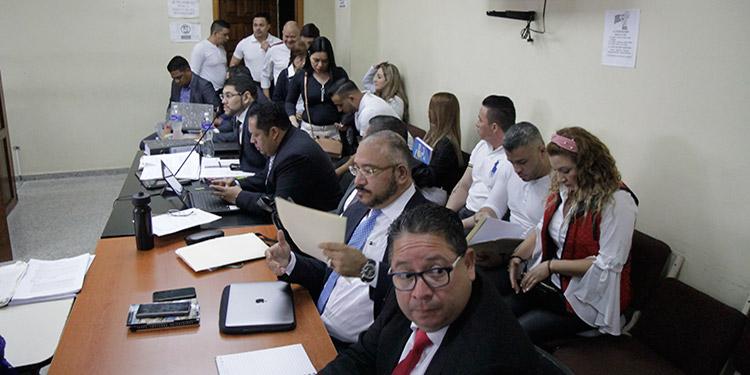 Hoy se convocó a las partes procesales para continuar con las objeciones por parte de los defensores, a las 9:30 de la mañana.